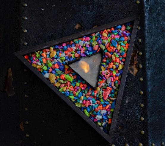 Chimenea bioetanol tipo triangulo multicolor