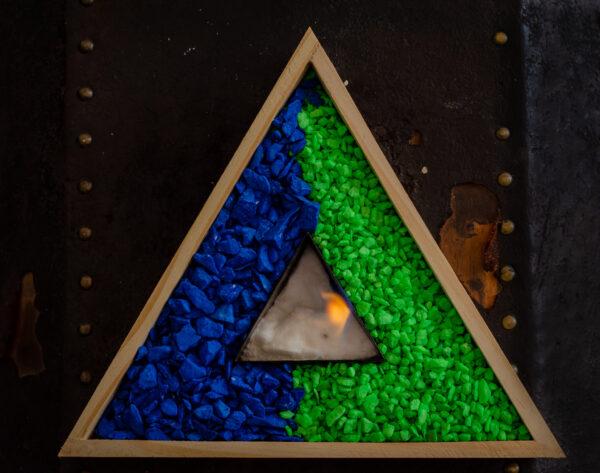 Chimenea bioetanol tipo triangulo madera2